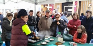 estand menjar EcoFira Calaf - La Veu de l'Anoia - VeuAnoia.cat