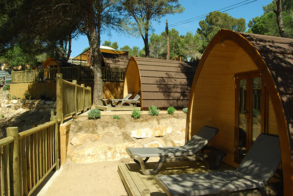 cabana-forestal-camping-bruc-veuanoia