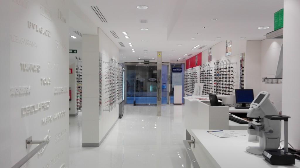 Interior de la nova botiga al Carrer Sant Magí.