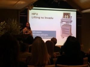 Noelia Jiménez durant la presentació de la tecnologia HIFU.