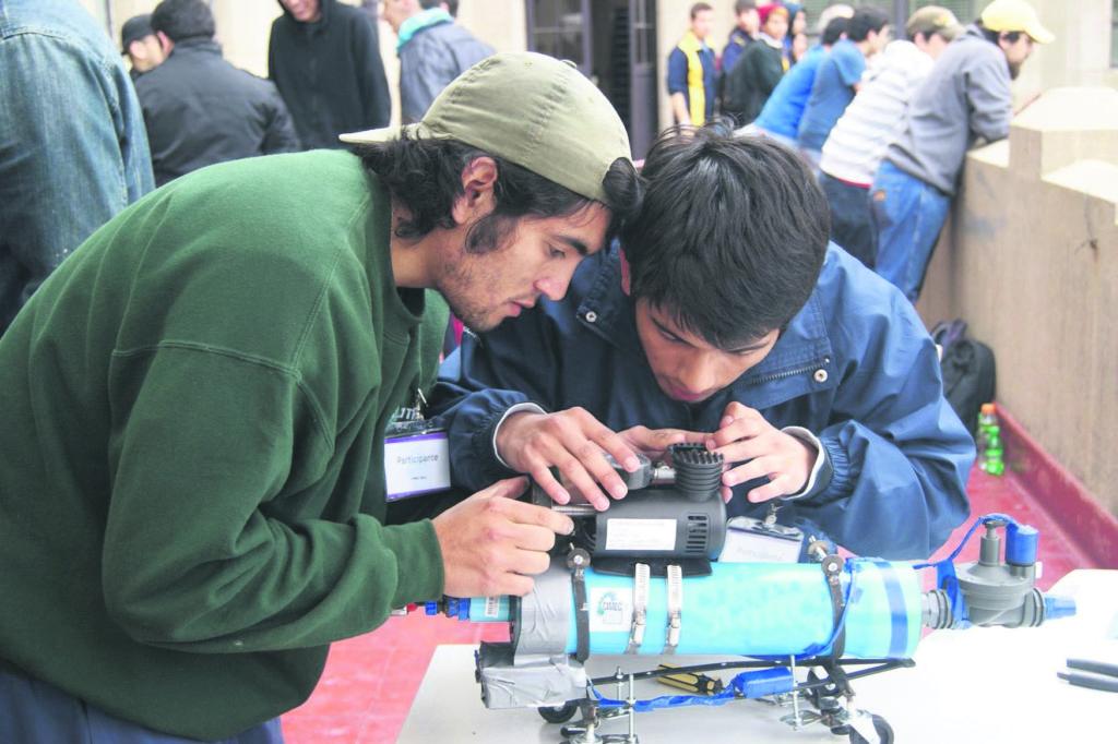 """Els empresaris creuen que els joves que arriben al mercat laboral tenen poc """"criteri industrial""""."""